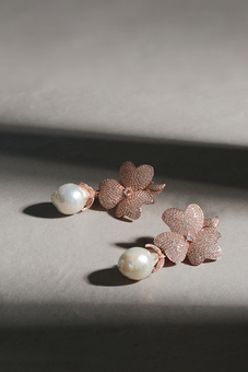 Baroque flower earring