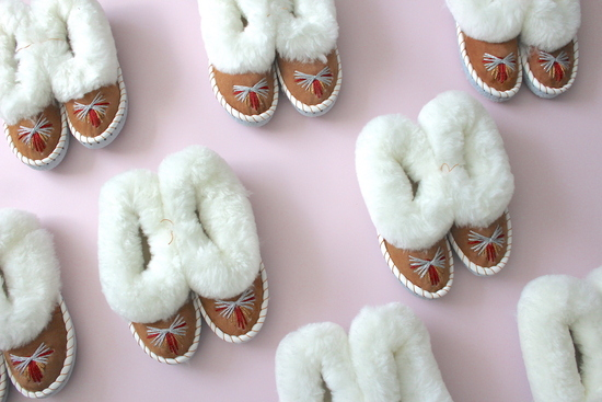 ONAIE White Sheepskin Slippers