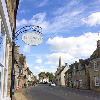 Lilia's studio is situated in Lechlade, in the Cotswolds