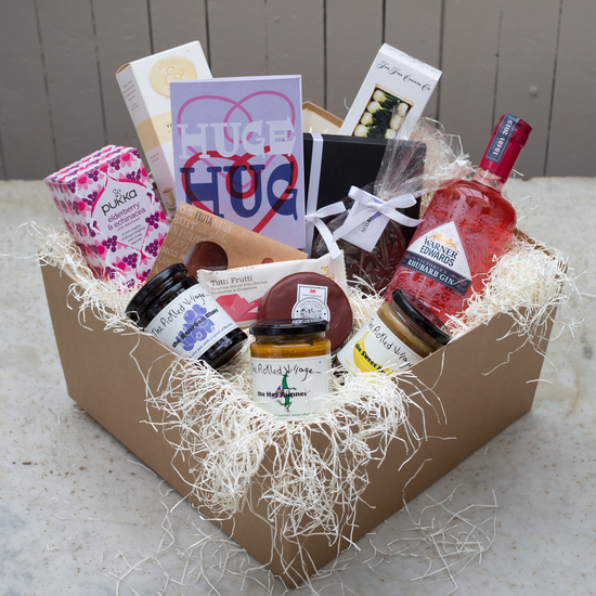 'Huge Hug' Deluxe Hamper
