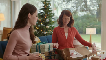 Milly Inspired's Mum Print in the 2015 Christmas TV Ad