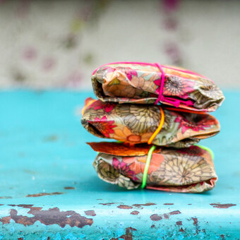 Make your own beeswax wraps