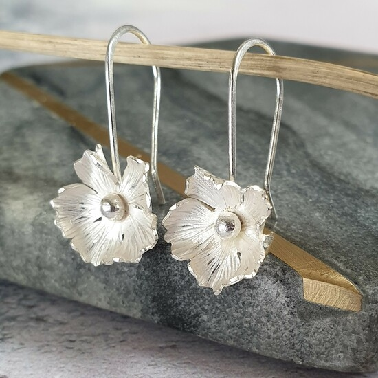 Handmade botanical inspired jewellery.