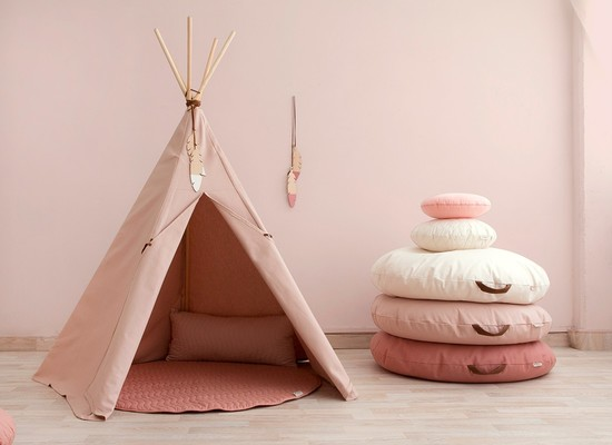 Our stunning canvas and pinewood bloom pink teepee