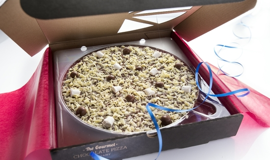 Delicious Honeycomb & Marshmallow chocolate pizza