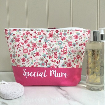 make up bag and wash bag