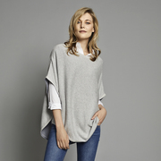 Flora Reversible round neck poncho - Grey & Pebble