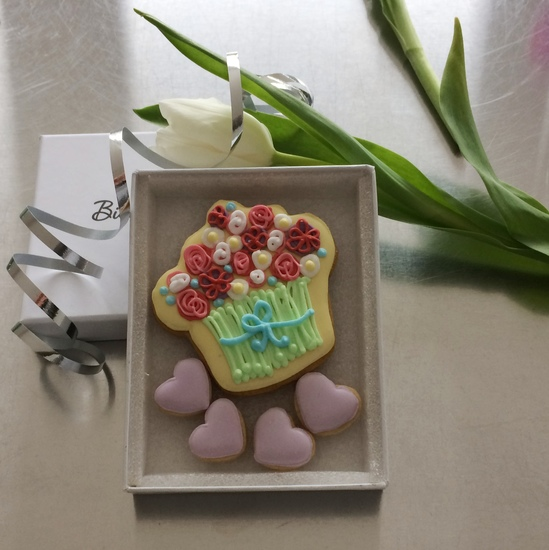 Iced bouquet cookie card