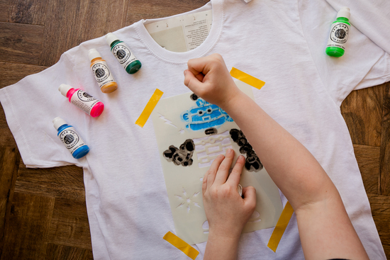 Hand printing t-shirts to make fabulous designs