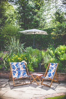 deckchairs - contemporary garden chairs