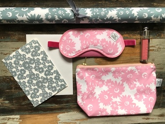 Daisy slate and pink collection