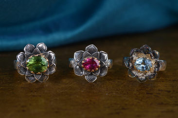 Lotus Gemstone Gold Rings