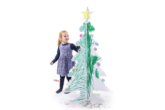 Kid-Eco Christmas Tree Decorating