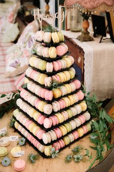 L'orchidee Macaron tower