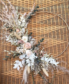 Dried flower hanging hoop, can be used as a piece of indoor art or for a alternative bride/bridesmaid bouquet