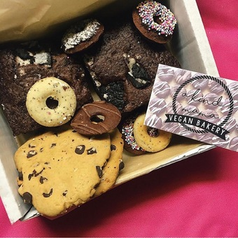 Mixed Treat Box