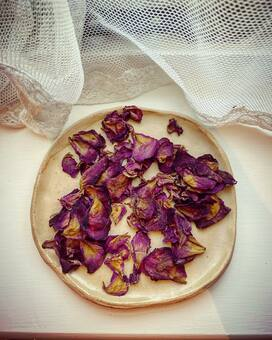 Customer Photo of dried rose petals on plate