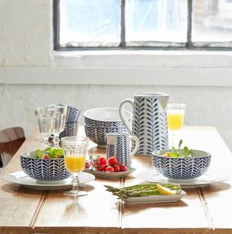 Blue & White Tableware