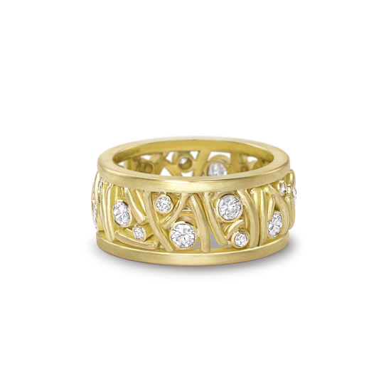 18ct and Diamond Flow Band