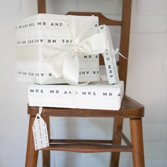 Mr and Mrs Gift wrap