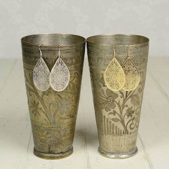 Lassi Vase with Ananda Earrings