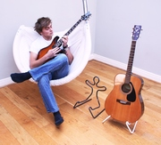 Fun Guitar stand by Boing Stands