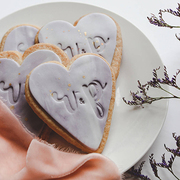 Wedding favour biscuits