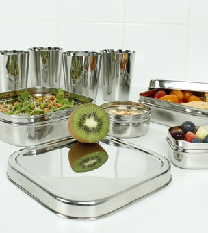 A Slice of Green Stainless Steel Lunch Boxes and Containers